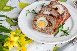 Świąteczny klops z jajkiem i suszonymi pomidorami