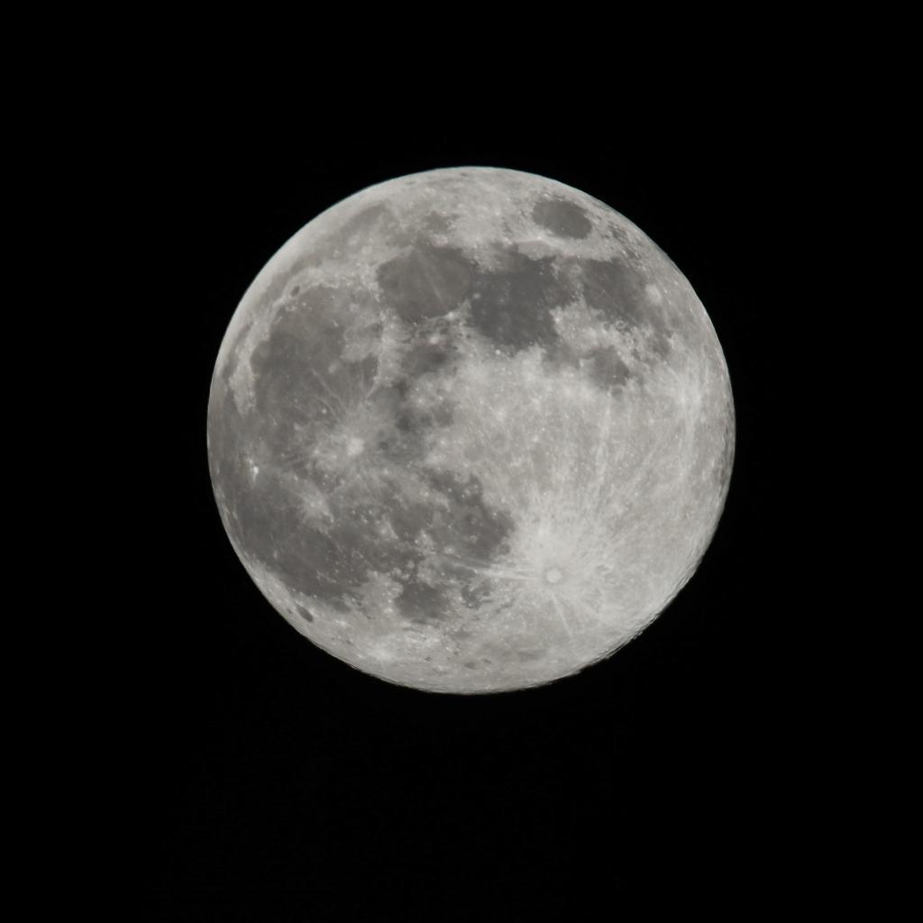 Die Kamera-Einstellungen für das perfekte Foto vom Mond