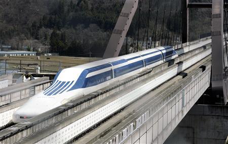 「ゴーッ」と空気を切る音が続き、東海道新幹線より揺れるリニア・・・JR東海が報道試乗会