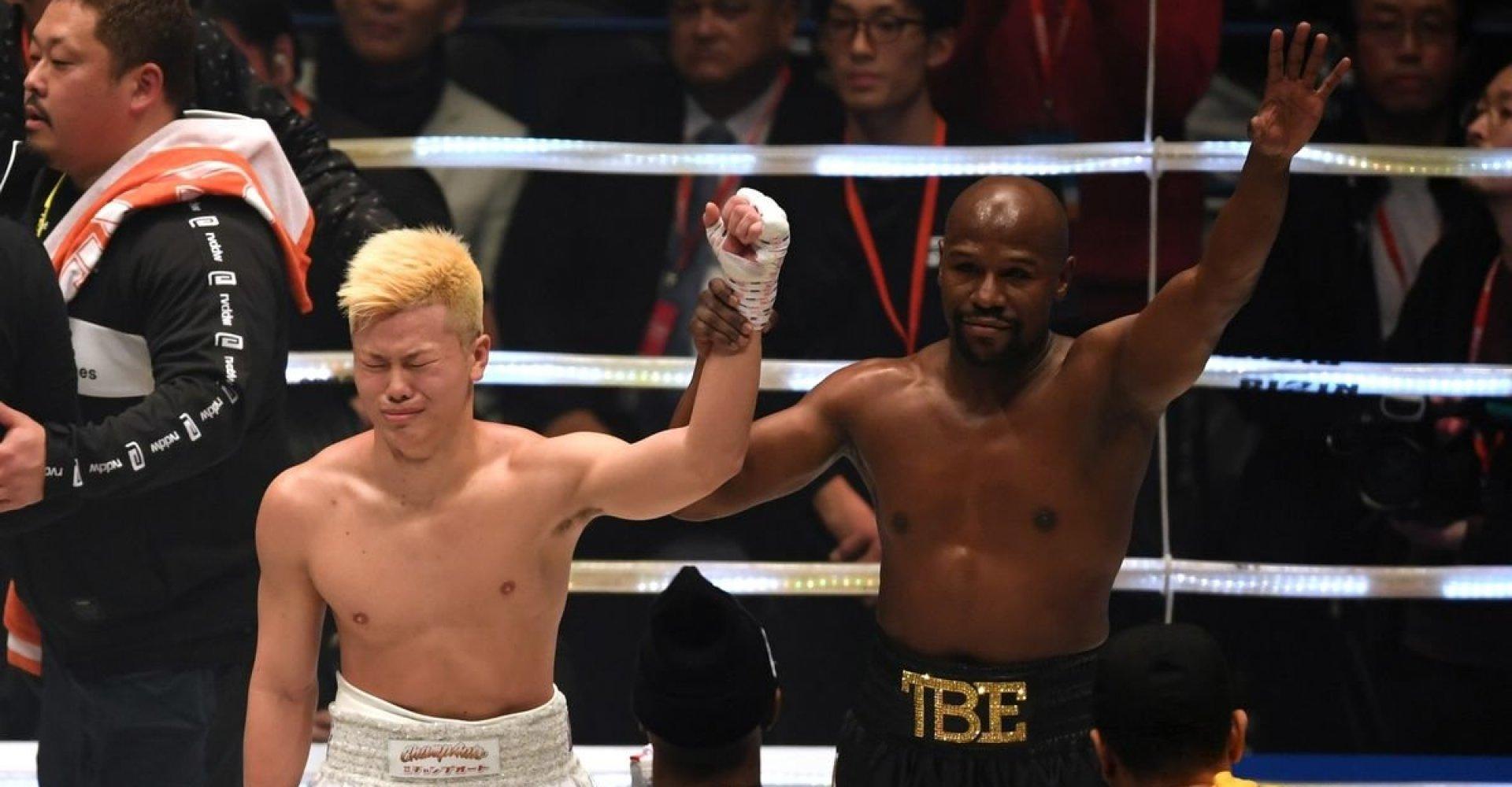Mayweather vs. Tenshin: se hvordan Mayweather storstilet vinder i første runde | Magasinet M!