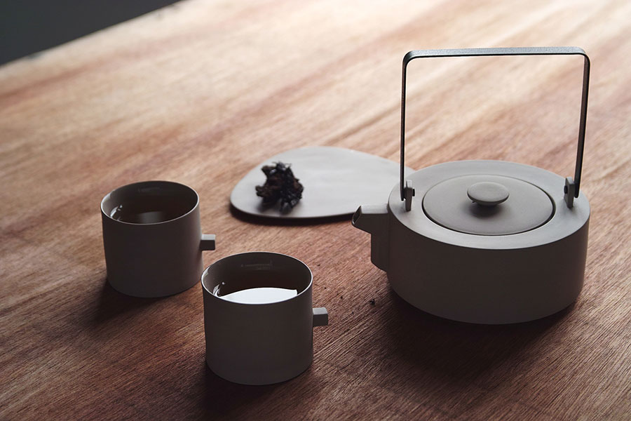 Teaware Set by Chuntso Liu