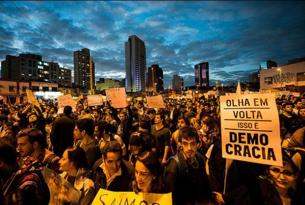 rivolte-brasile-1