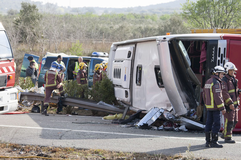 13 students dead in Spanish bus crash