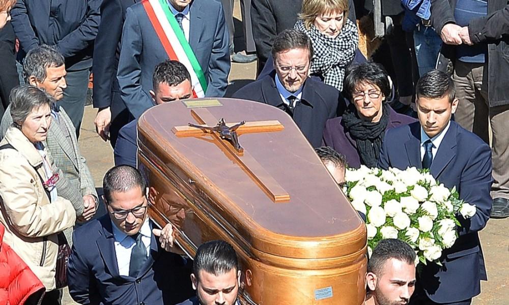 serena-saracino-funerali001-1000x600