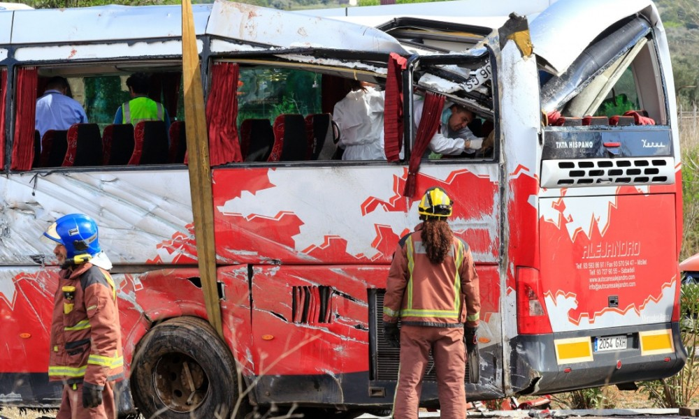 spagna-incidente-autobus-studenti019-1000x600