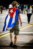 _E7A6515 Man with Cuban flag on back web ready