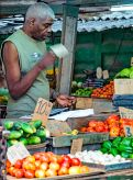 _E7A6849 Man selling veggies web ready
