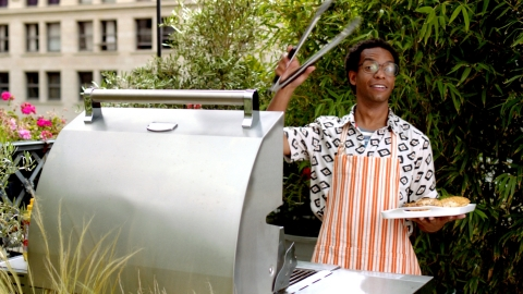 Louis the Grillmaster (Photo: Business Wire)