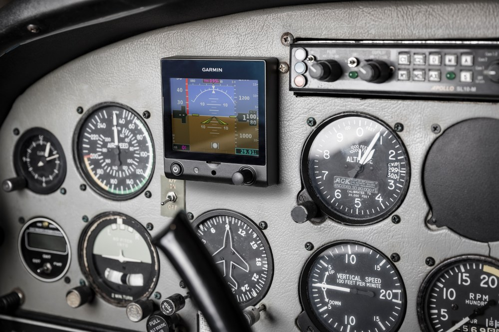 medium resolution of garmin introduces g5 electronic flight instrument for certificated aircraft business wire
