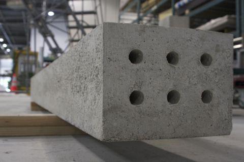 Solidia Concrete™ railroad tie (Photo: Business Wire)