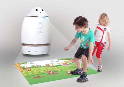 Danovo, un robot social rend l'apprentissage amusant pour les enfants (Photo: Business Wire)