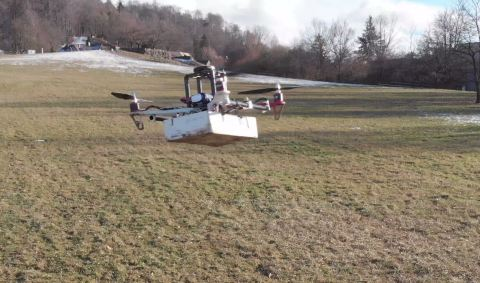 Drone carrying a package in Failsafe mode after a propulsion system failure
