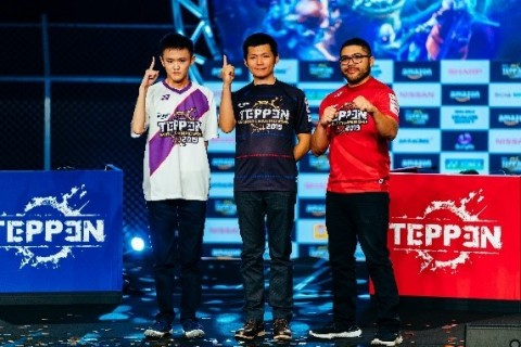 "The inaugural TEPPEN World Championship 2019 has come to a close, and GungHo Online Entertainment's first champion has been crowned Last Guardian. In the biggest TEPPEN tournament ever, he expertly guided his MORRIGAN AENSLAND/Temptation and DANTE/Devil Trigger decks through the competition, bringing down everyone in his path to the top. For his victory, Last Guardian took home 30M Yen (~$280K) of the 50M Yen (~$460K) prize pool along with numerous other prizes including a NISSAN Skyline GT V6 TURBO. (From the left second place Yutaro ""tarakoman"" Fukazawa, first champion Huai-Yong ""Last Guardian"" Wu, and Ryuuzu Player from the U.S.) (Photo: Business Wire)"
