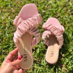 Sandália Rasteira Feminina Rosa com Detalhes de Elástico Sanfonado Calçados Femininos Coleção Verão Moda e Tendencia Loja Online MM Store Shoes (16)
