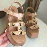 Anabela Flatform Feminina Bege Rosada com Detalhes de Taxas Em formato de Pirâmides Nova Coleção Primavera Verão Loja Online MM Store Shoes (25)