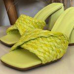 Tamanco Feminino Lemon De salto Estilo Triangulo e Detalhes de Palaha Coleção Primavera Verão Moda e Tendência em Calçados Femininos Loja Online MM Store Shoes (14)