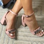 Sandália Feminina Rose de Salto Bloco e Detalhes em Correntes Nova Coleção Primavera Verão Loja Online Mm Store Shoes Moda e Tendência (3)