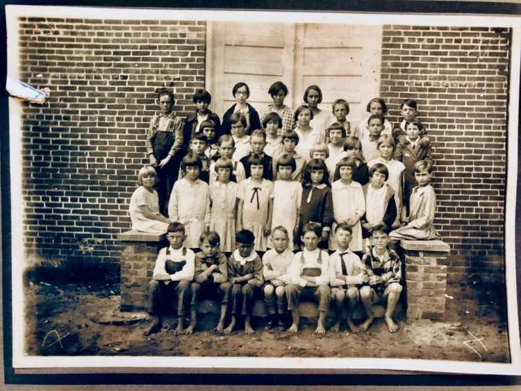 Roberta High School 1927-28 4th grade