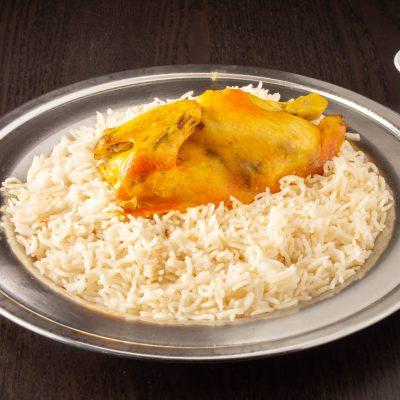 دجاج مندي مع أرز أبيض