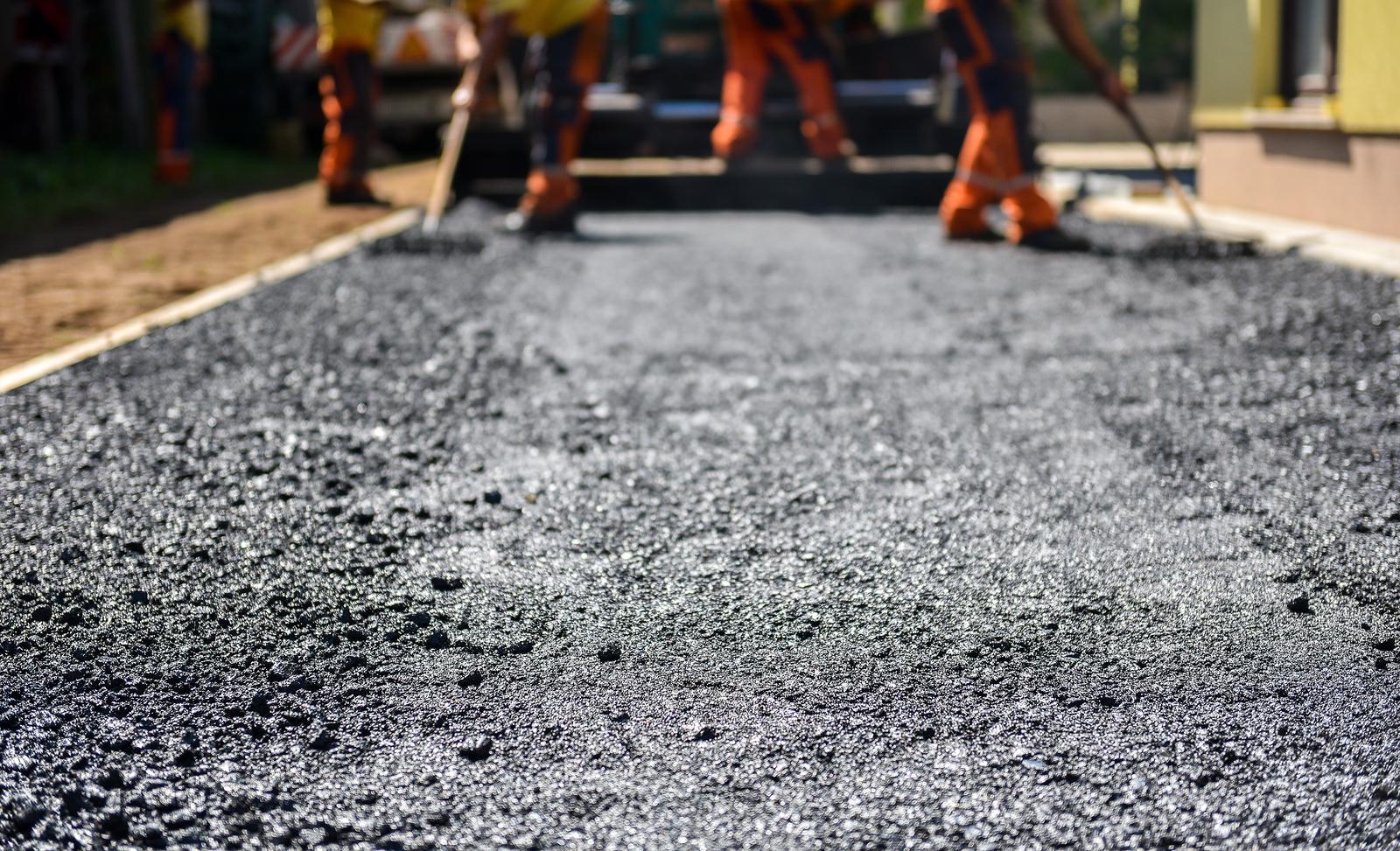 asphalt paving contractor sauk