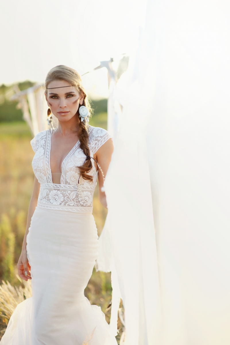 MustHave Bridal Looks for Your Bohemian Wedding  Minnesota Bride