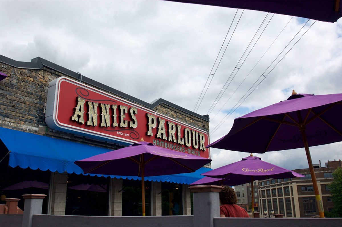 Annie's Parlour