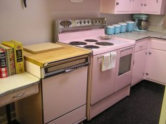 Pink-fridigaire-double-oven-susie-O[1]