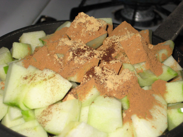 apples-pre-sauce
