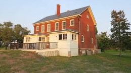 fort-snelling-finished-duplex-fixed-up-pic