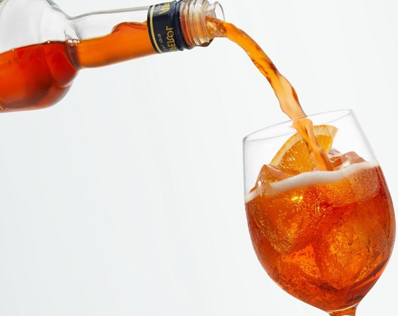 приготовить коктейли
