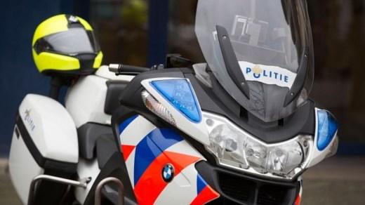 politiemotor-geparkeerd