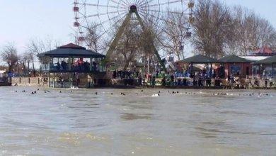 عشرات القتلى والمفقودين إثر غرق عبارة سياحية في العراق 5
