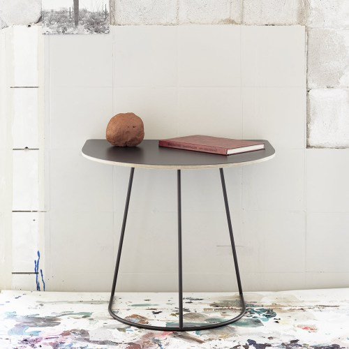 Airy Table Sidebord fra Muuto -