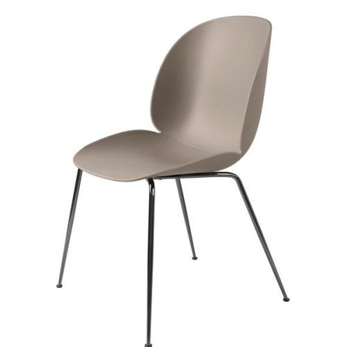 Beetle Dining Chair - Black Chrome Base fra Gubi -