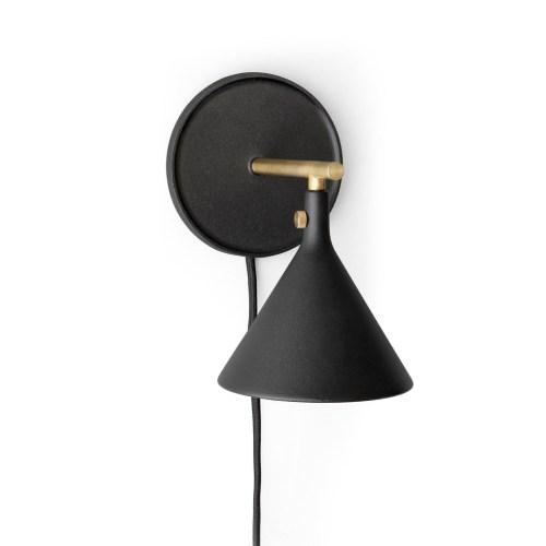 Cast Vegglampe fra Menu - 5709262033171
