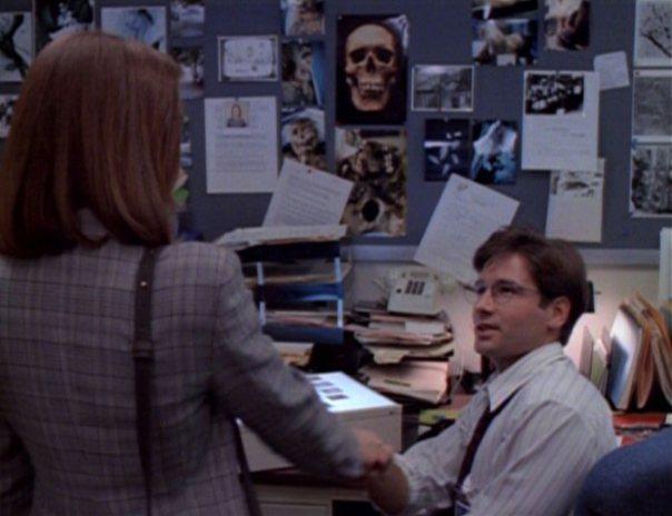 O primeiro encontro entre Mulder e Scully