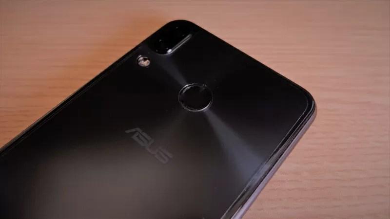 ZenFone5(ZE620KL)の保護フィルムをミヤビックスさんに作ってもらいました!