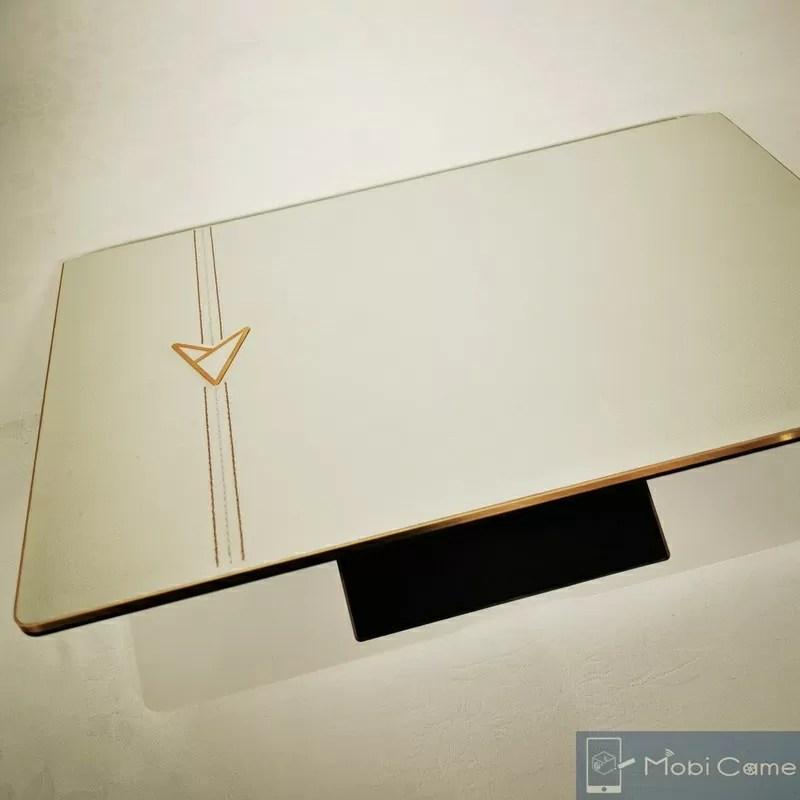 ASUS30周年限定モデルzenbook edition30