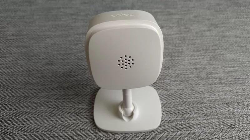 TP-LinkのネットワークカメラTapo C100の背面スピーカー