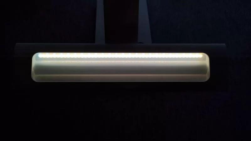 TaoTronicsデスクライトTT-DL092のフロント発光LED