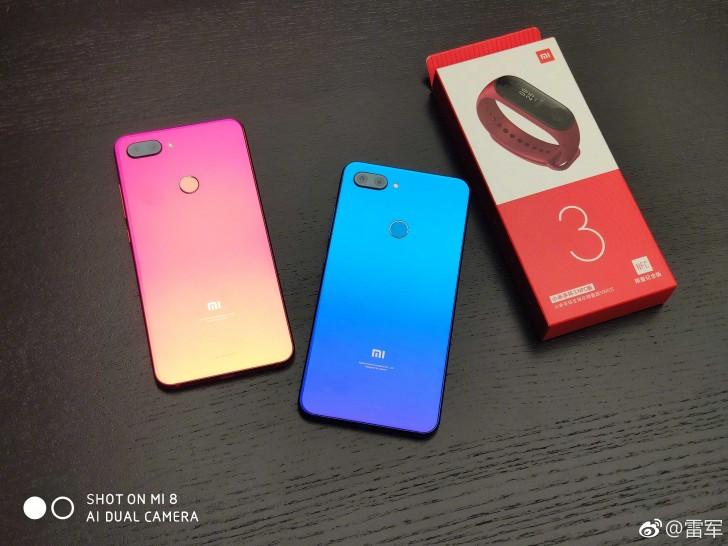 Xiaomi släpper bild på Mi 8 Lite