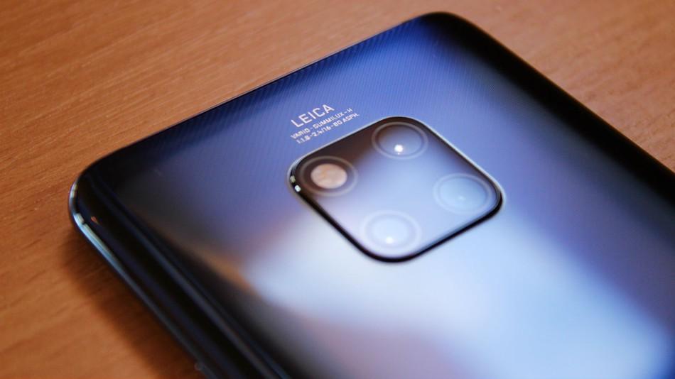 Matthew Moniz tar en titt på Huawei Mate 20 Pro