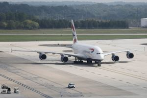 Here stands British Airways Airbus A380 and rests (video)