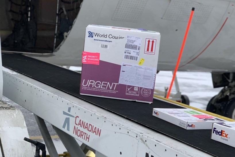 Première livraison du vaccin de Moderna au Nunavut