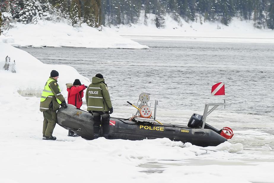 Un corps repêché à Alma pourrait être celui d'un motoneigiste disparu