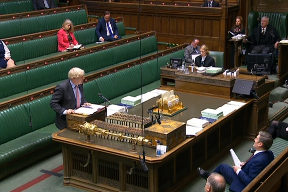 COVID-19 | Boris Johnson échappe à une fronde dans son camp