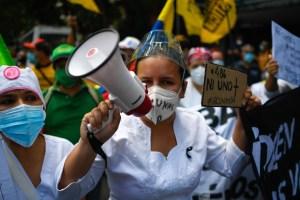 COVID-19 au Venezuela | Des professionnels de la santé dans la rue pour réclamer des vaccins