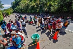 La Colombie demande de l'aide pour vacciner un million de Vénézuéliens illégaux