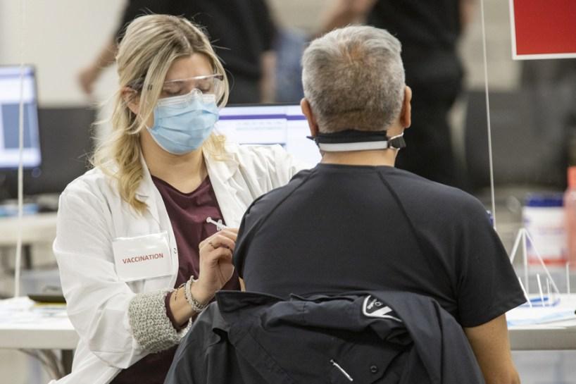 Travailleurs de la santé   Refuser le vaccin est irresponsable!