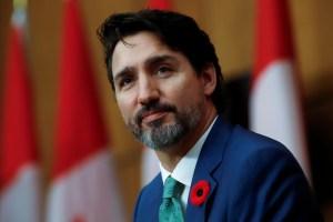 Distribution des vaccins contre la COVID-19 | Justin Trudeau s'est entretenu avec le grand patron de Pfizer